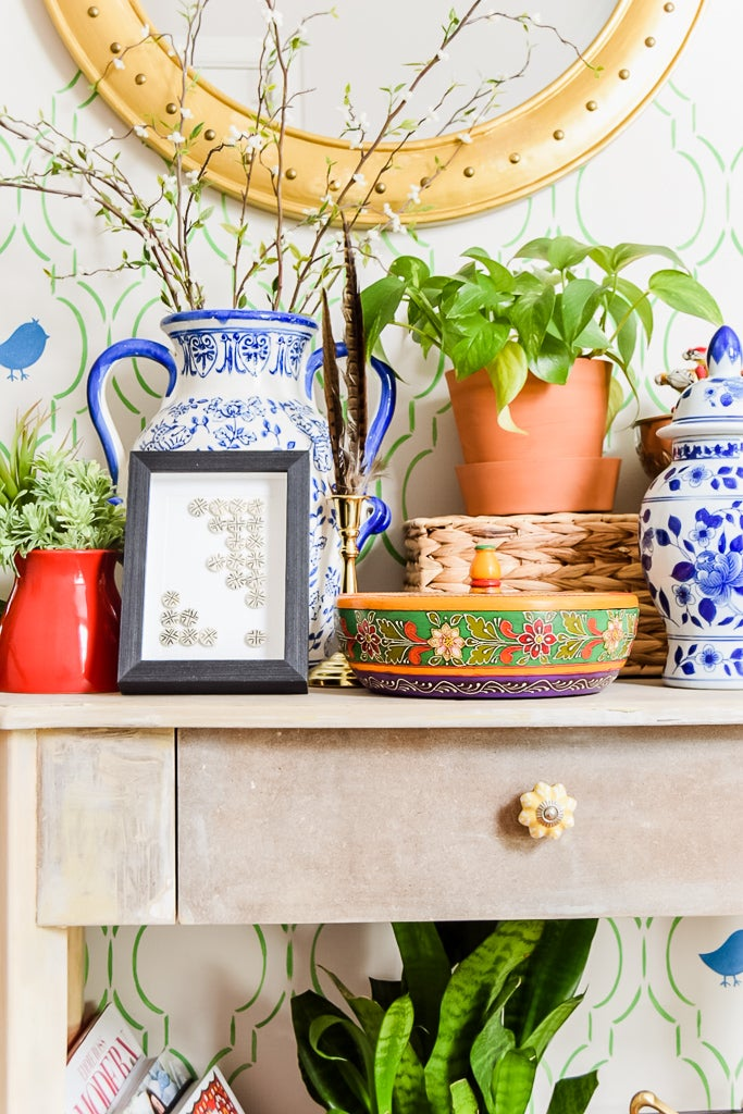 maximalist-style-global-entryway-table-decor