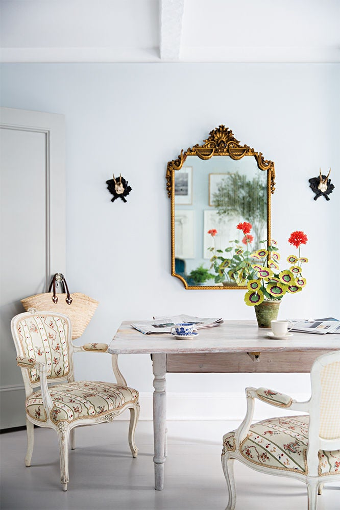 White Dining room