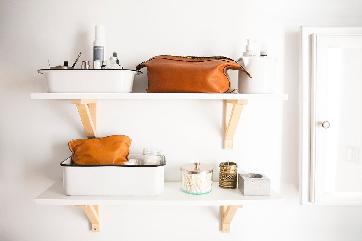 The Right Way to Tackle Bathroom Clutter