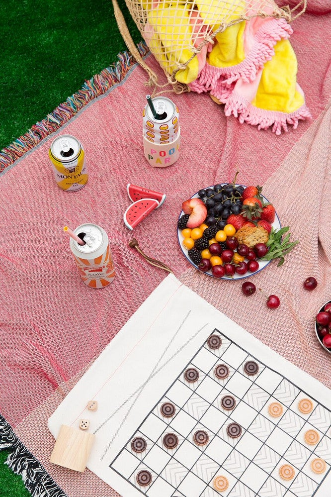 How To Throw A Parisian-Inspired Picnic At The Park