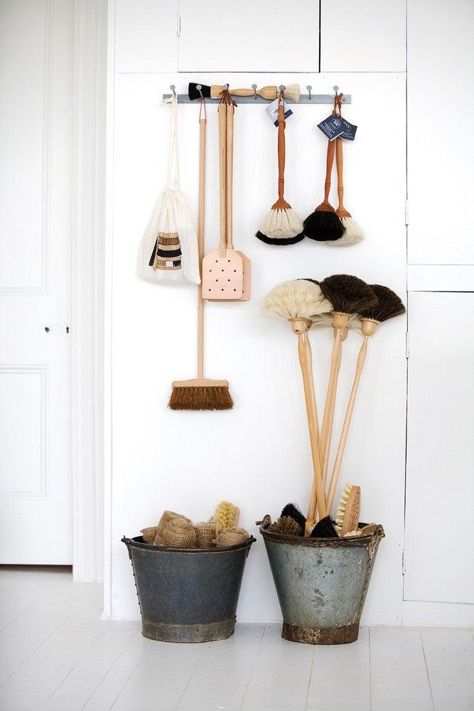 father-rabbit-brushes.jpg
