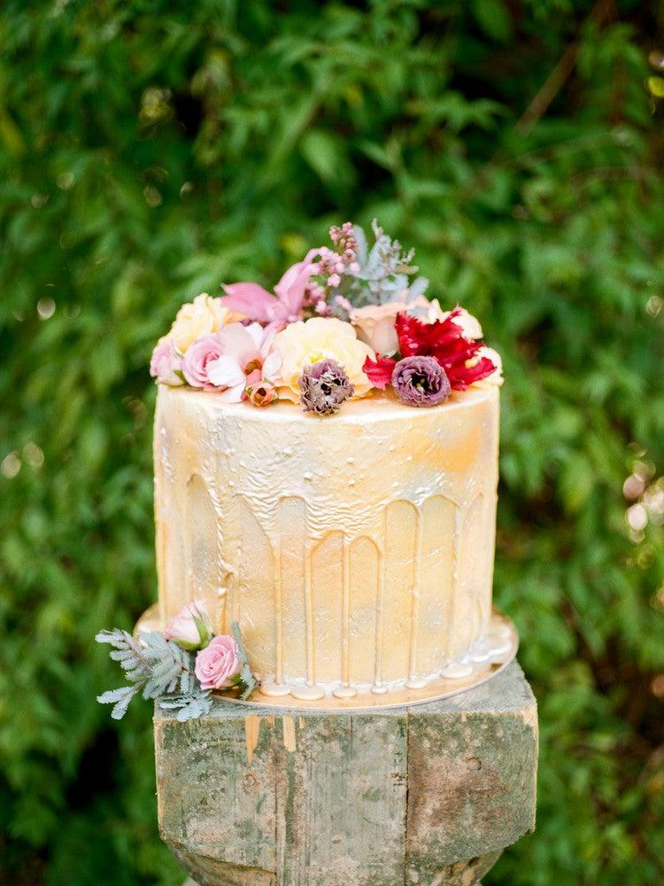 The Best Wedding Drip Cakes | Domino