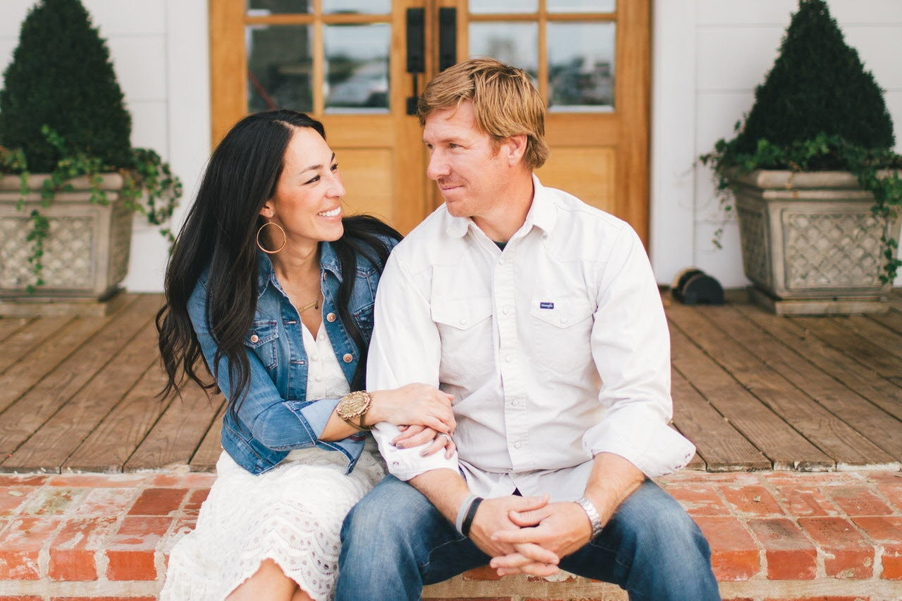 chip-and-joanna-gaines-1jpg-5e09422e545d4812.jpg