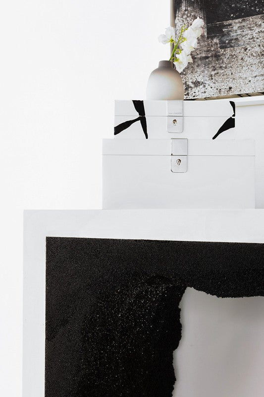 Black and white office decor inspiration