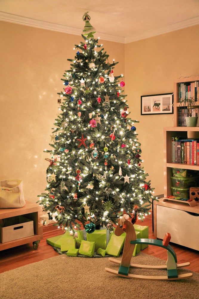 how to put lights on christmas tree string light guide