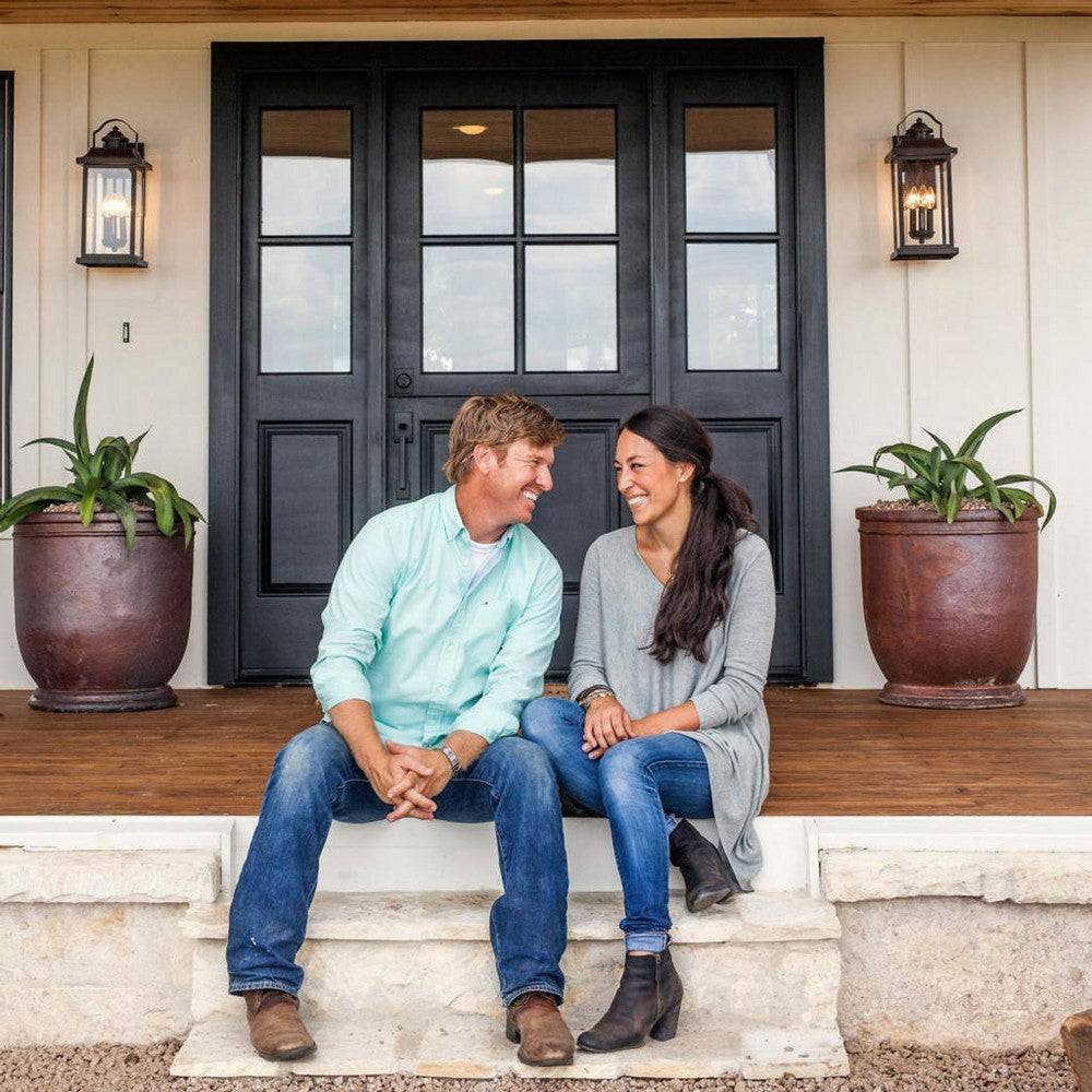 rs_1024x1024-170428115318-1024-8joanna-gaines-chip-fixer-upper.jpg