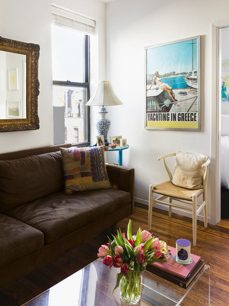 How One New Yorker Makes 262 Square Feet Feel Spacious