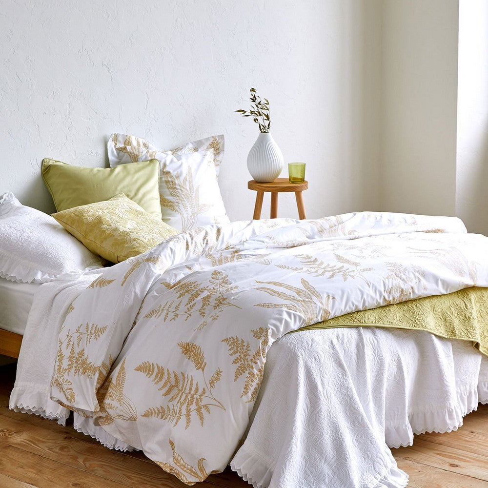 green and white bedding