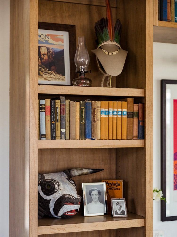 modern nevada home living room bookshelf