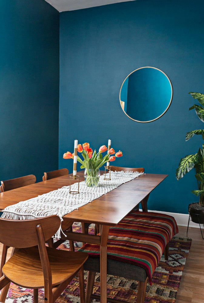blue walls in the dining room