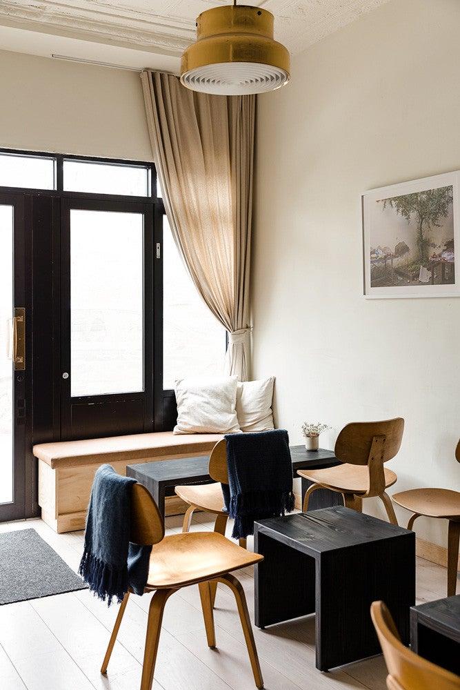 minimal nyc restaurant interior