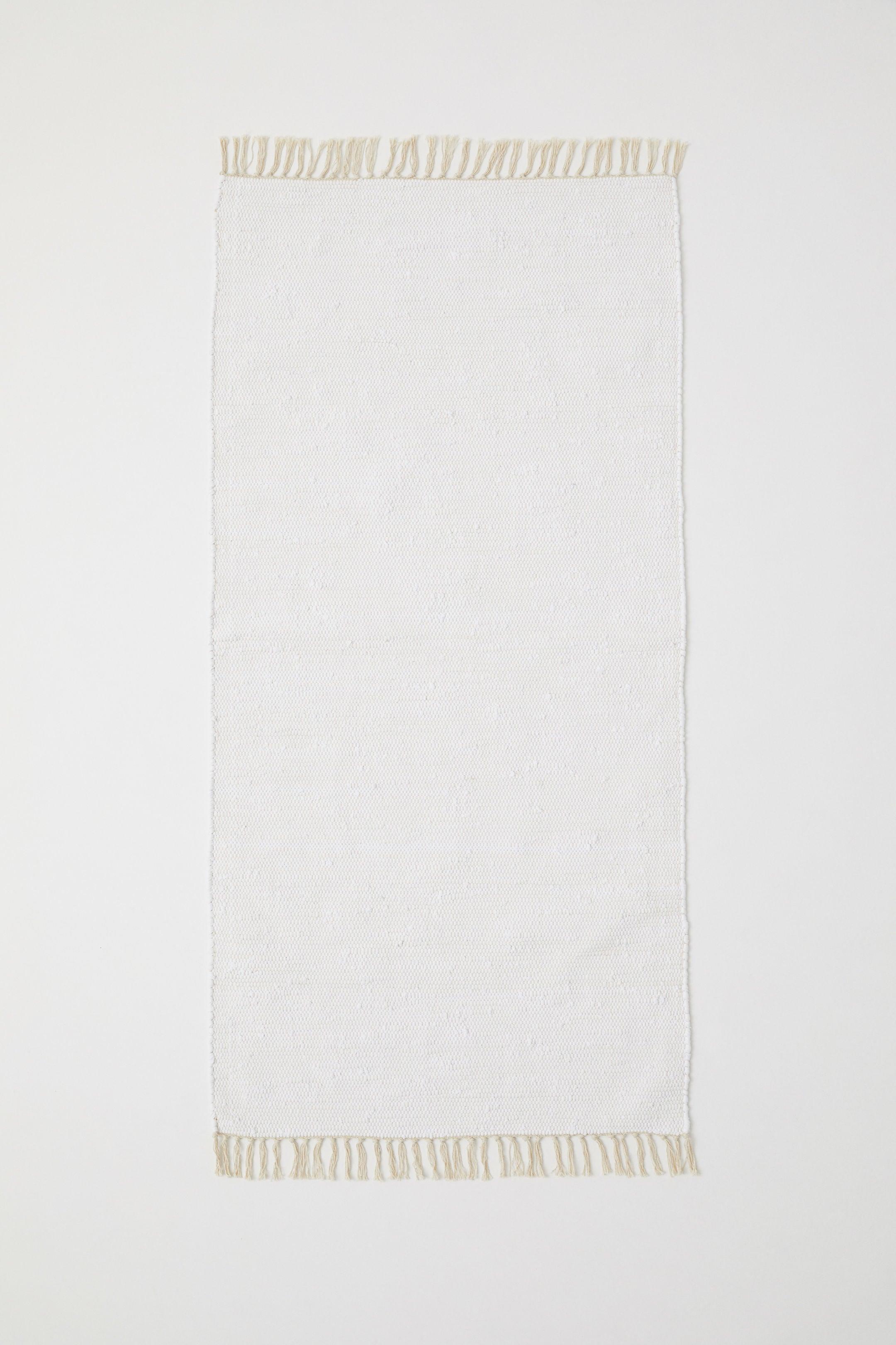 white rag rug