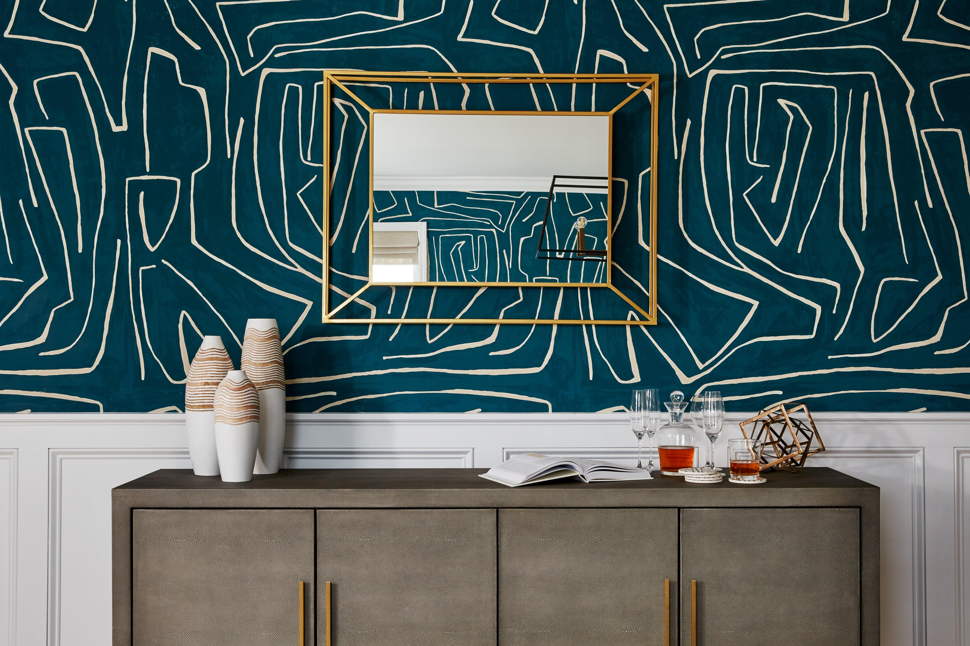 wallpaper in dining room