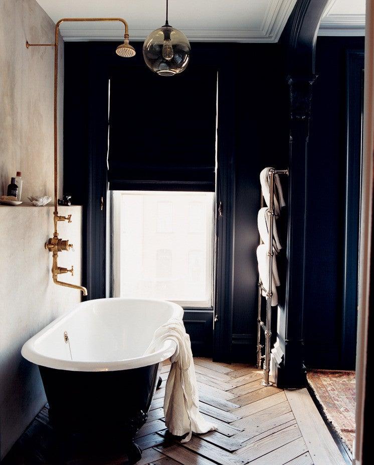 Jenna Lyons Black and White Bathroom