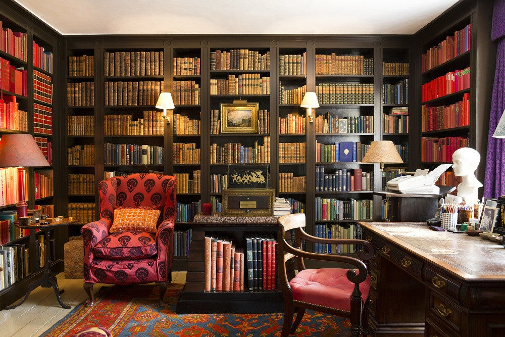 7 reasons why everyone needs a color-coded bookshelf