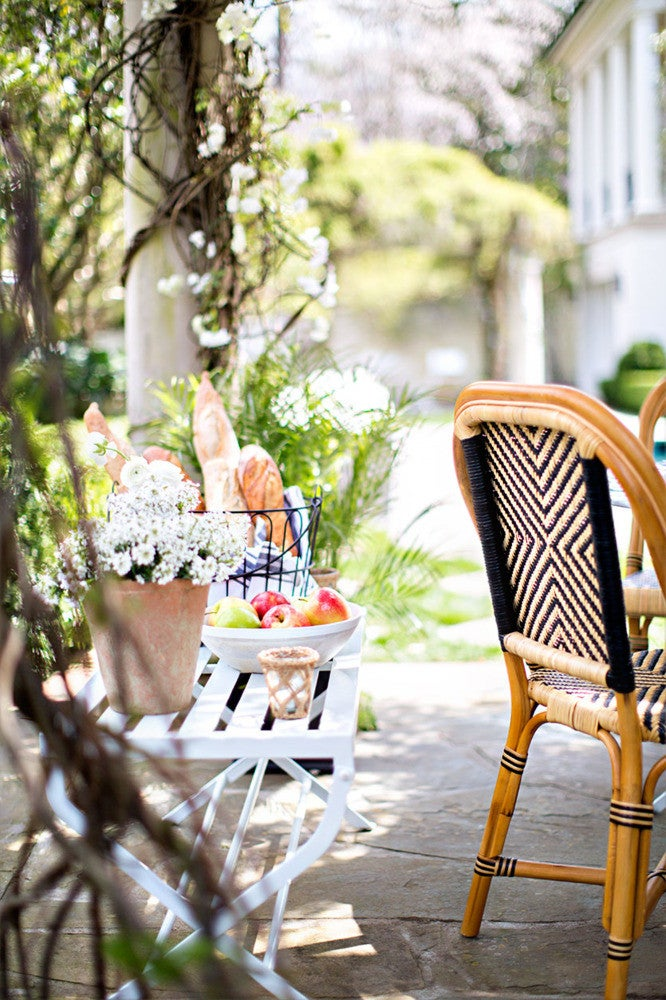 how to decorate your outdoor space