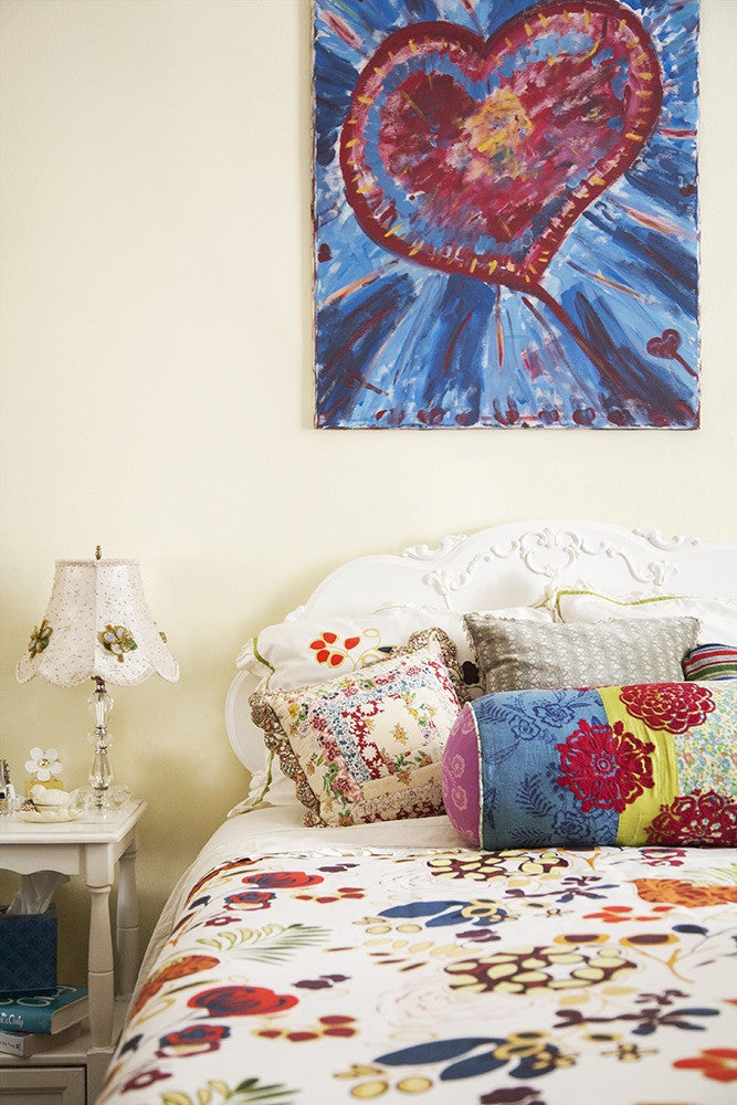 style transforms a 750-square-foot apartment