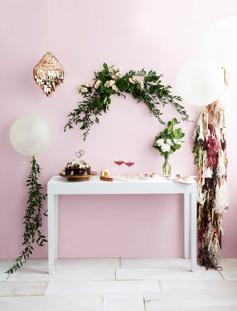 how to throw the perfect party (in pink)!