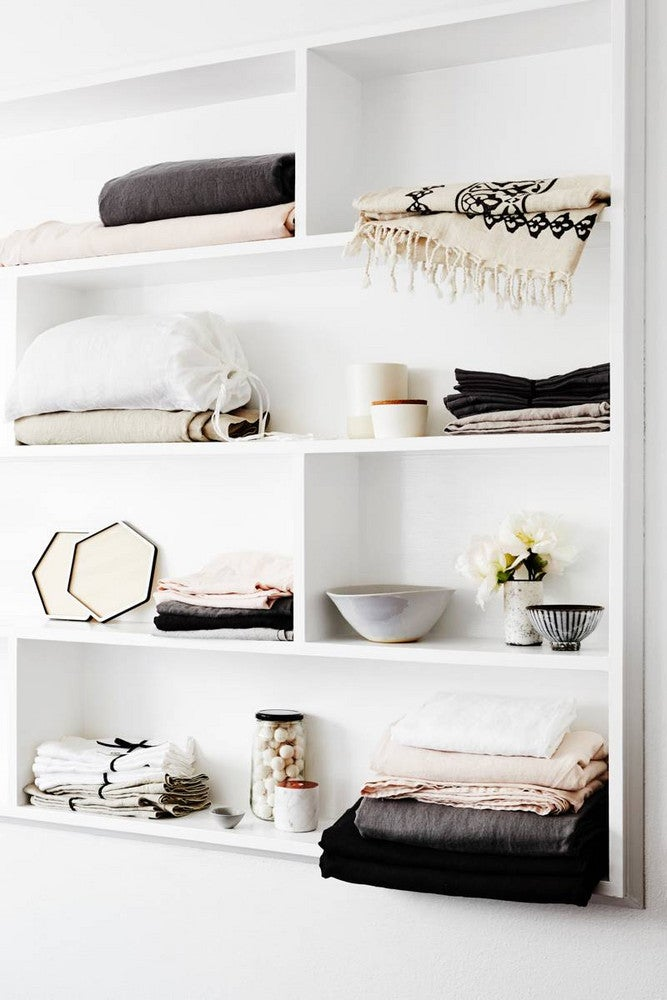 10 New and Clever Uses for Bookshelves