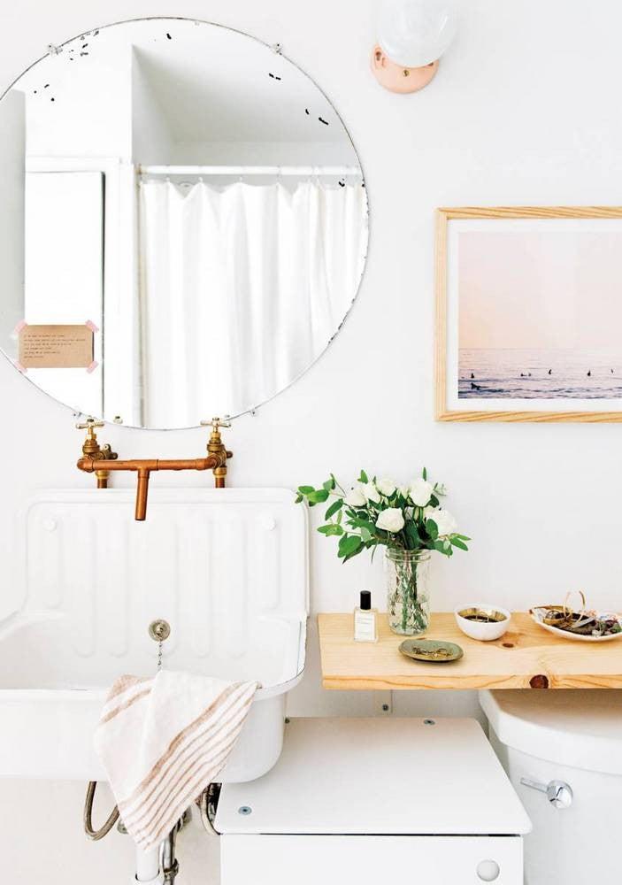 Small Bathroom Decor Ideas: shelf space