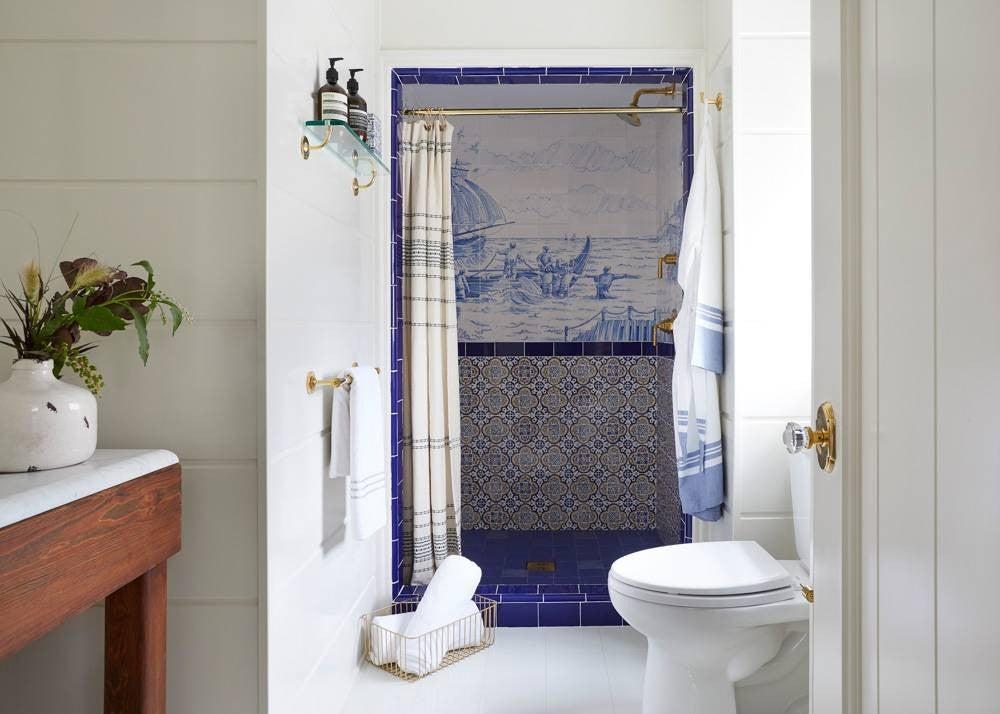 2017's Best Bathroom Interior Design- tile shower