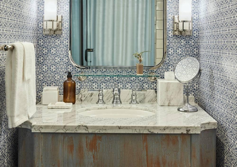 2017's Best Bathroom Interior Design- eclectic mix of designs