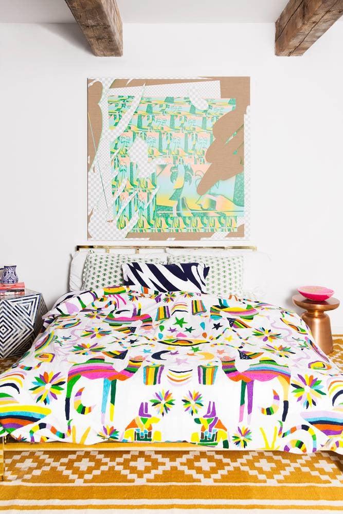 Best Bedroom Decor of 2017- mixed prints