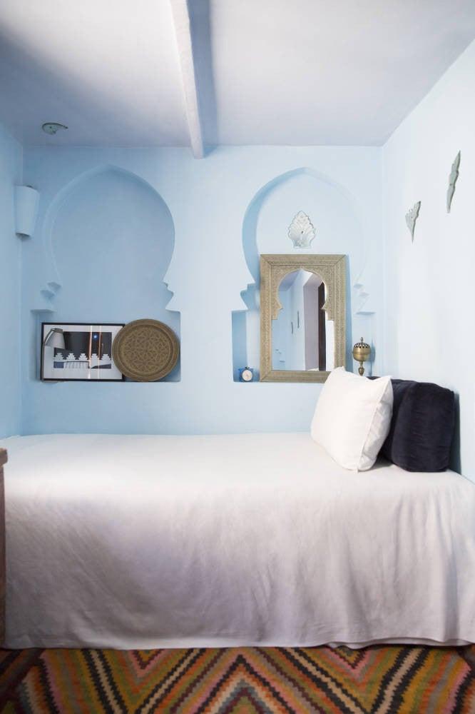 pale blue bedroom paint
