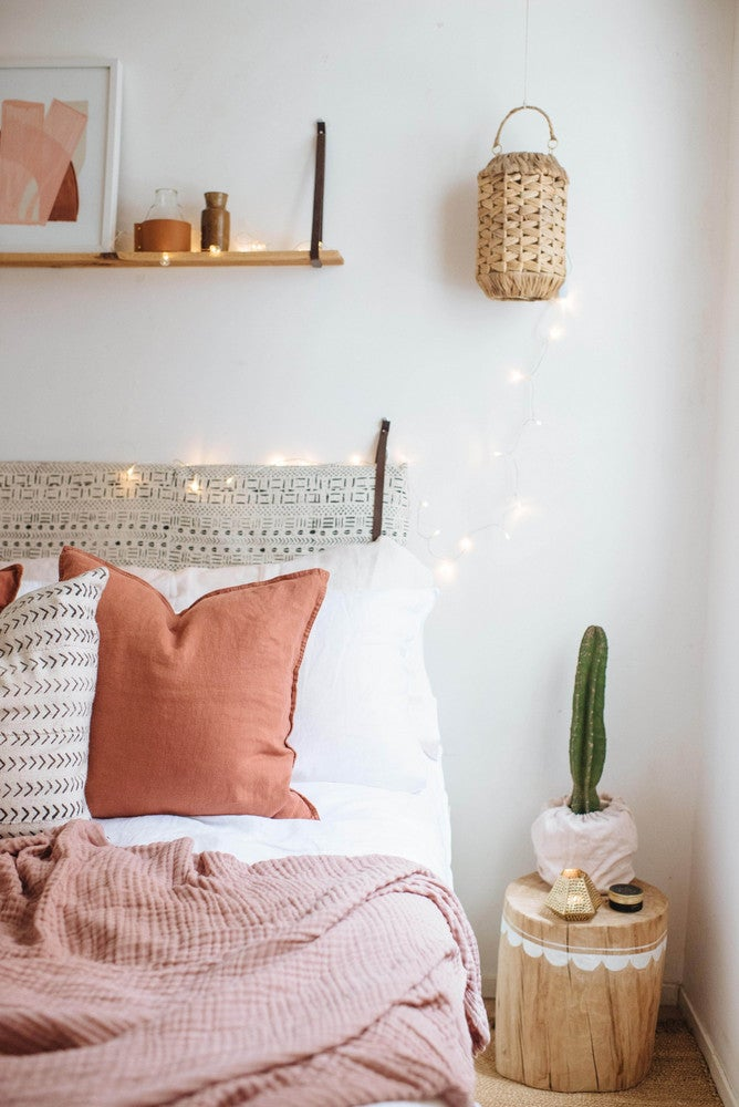 pink and red bedroom decor
