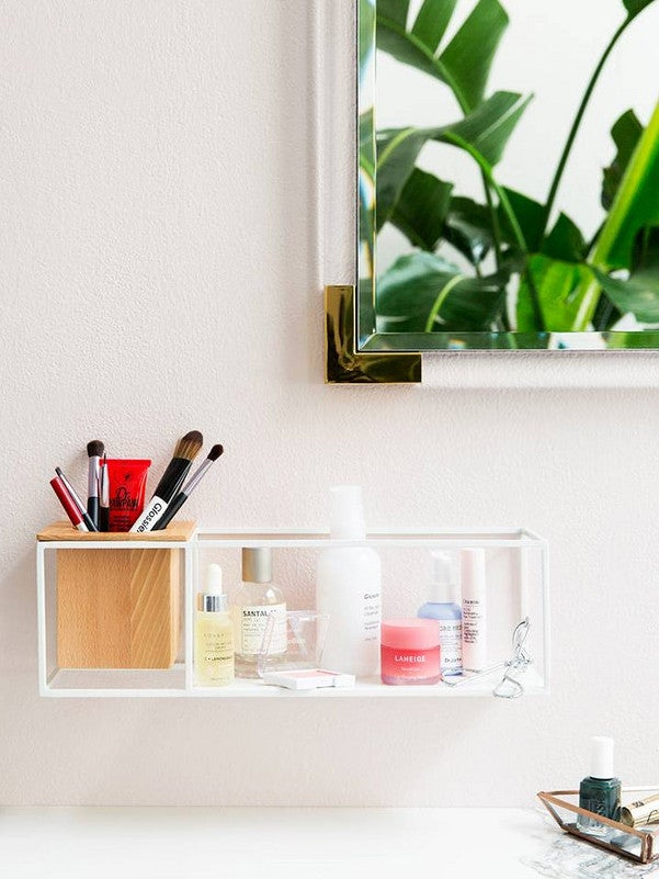 makeup_organizer_photo_by_Michael_Wiltbank.jpg
