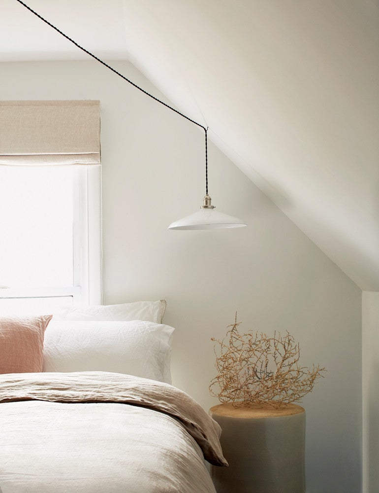 Best Plug-In Sconces And Wall Light Ideas For Bedroom