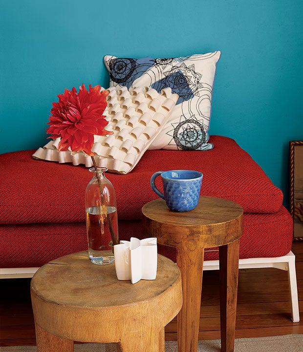 10 Teal Home Decor Ideas- colorblocking corner