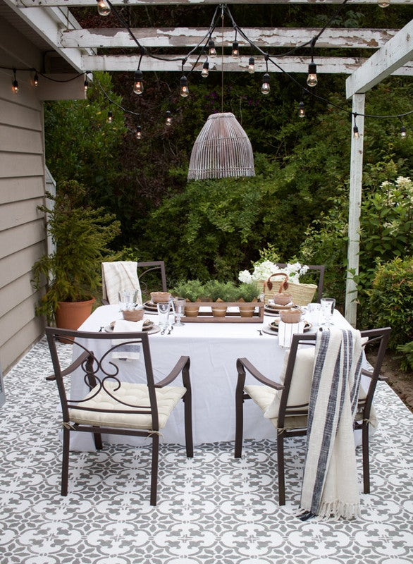 Outdoor Decorating Ideas For Summer - graphic tiles
