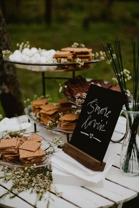 Outdoor Decorating Ideas For Summer - DIY S'mores Bar