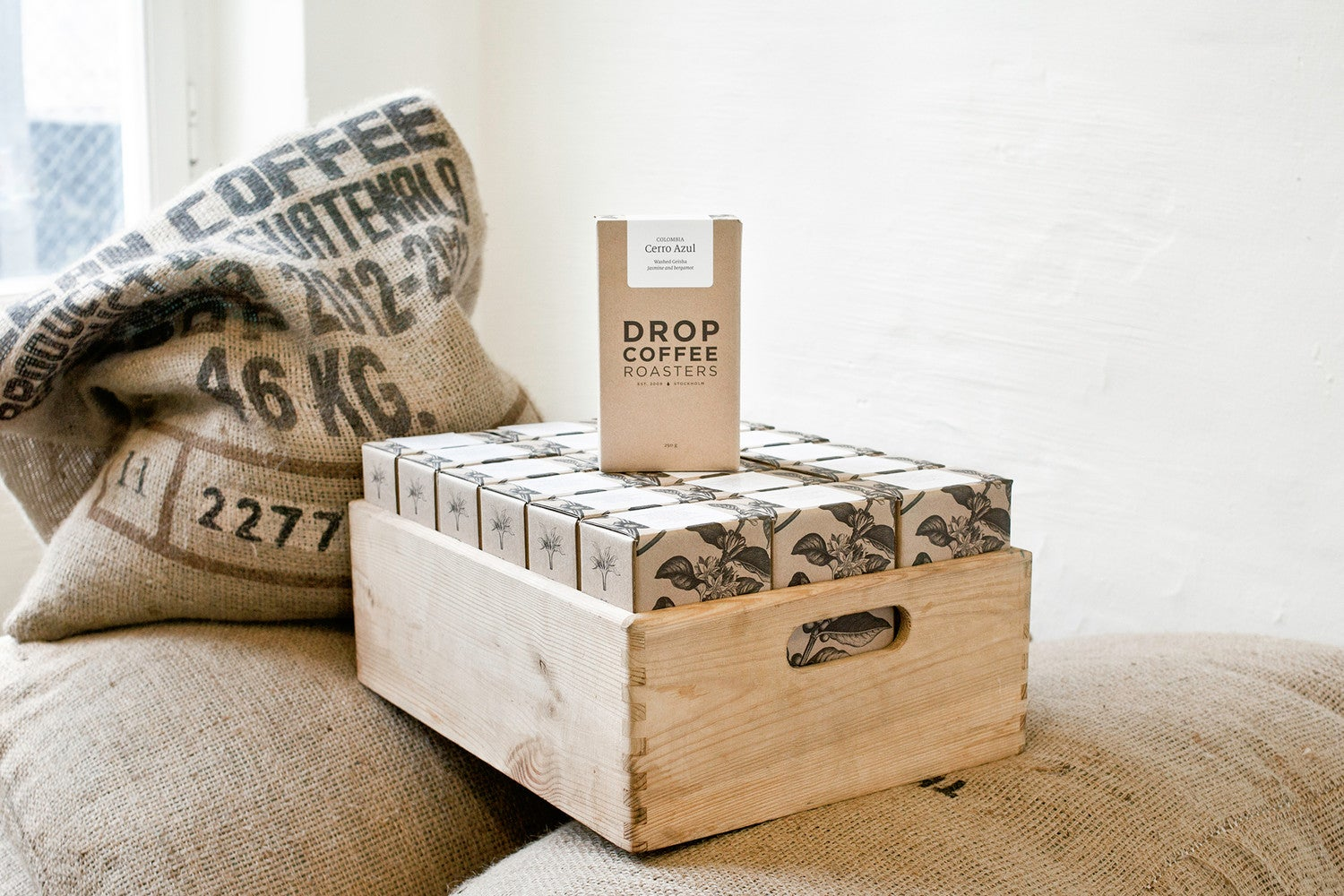 dropcoffee_box03_hi-res.jpg