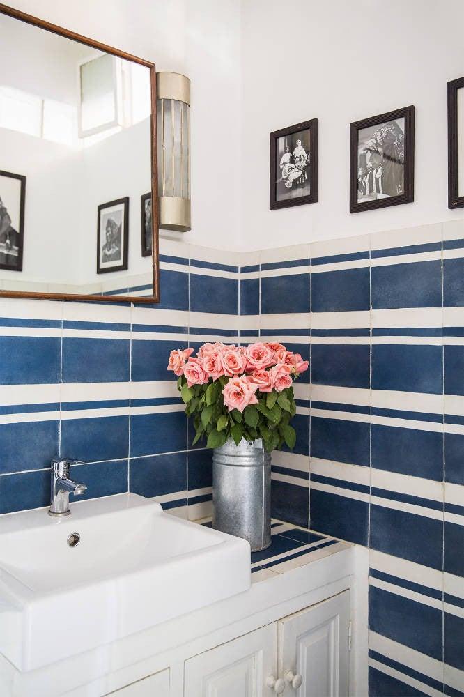 13 tiny bathroom design tricks