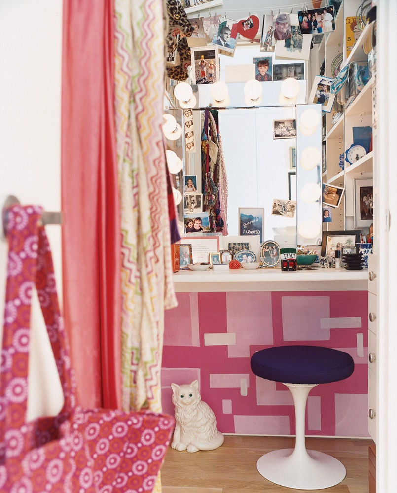 tiny closet hacks you need to try–NOW
