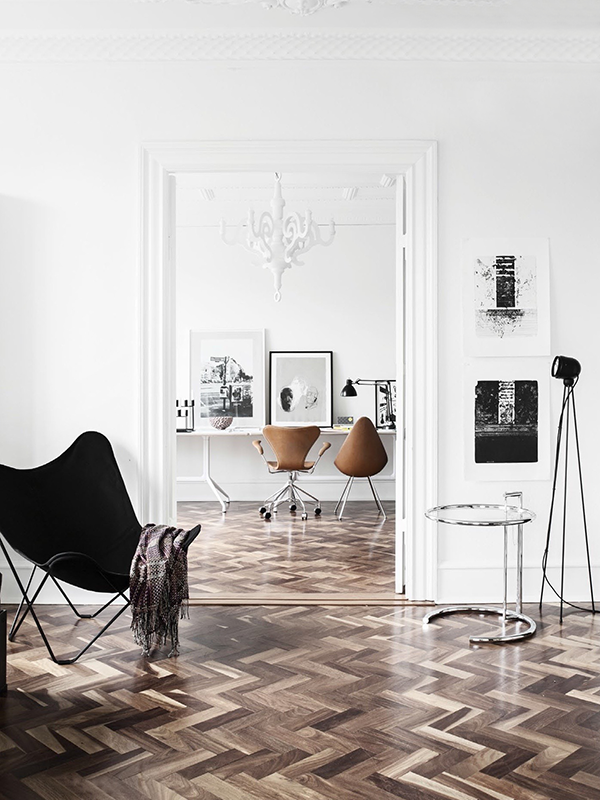 best-herringbone-floors-wood-white-black-living-room