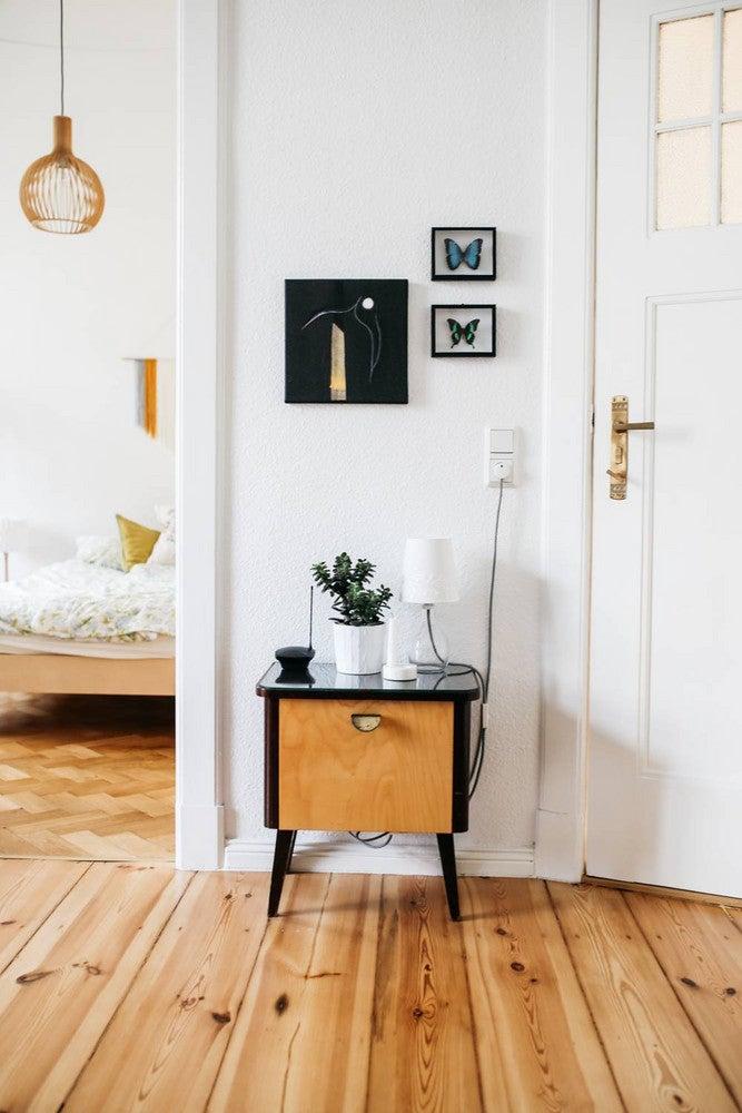 hallway-wall-ideas-side-table