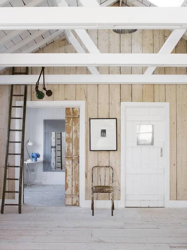 hallway-wall-ideas-light-wood-walls