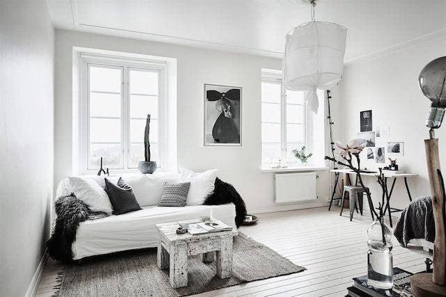 hallway-wall-ideas-white-studio