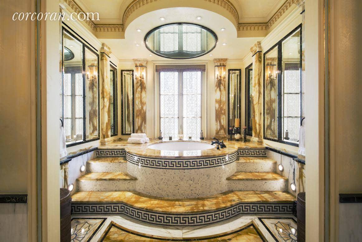 Rent Gianni Versace's Home In Manhattan Bathroom