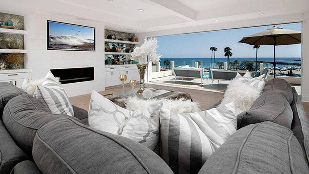 Kelly Dodd – Living Room.jpg