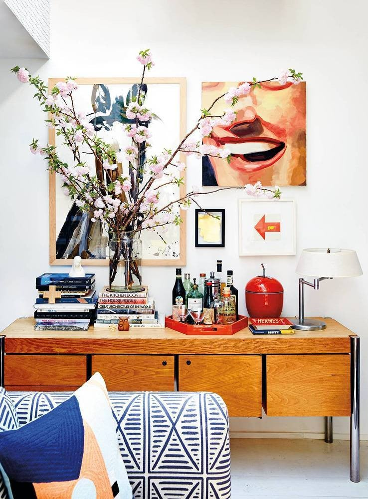 nail color trends white walls with wood console