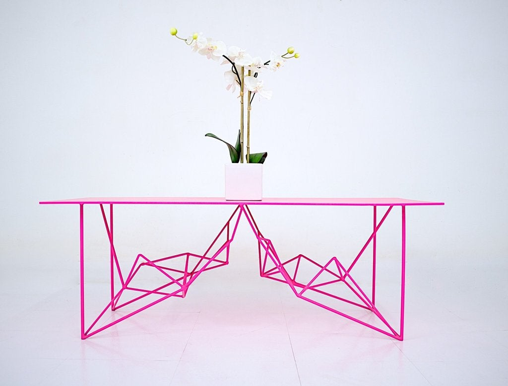 01- Modern Cre8ve neon pink table