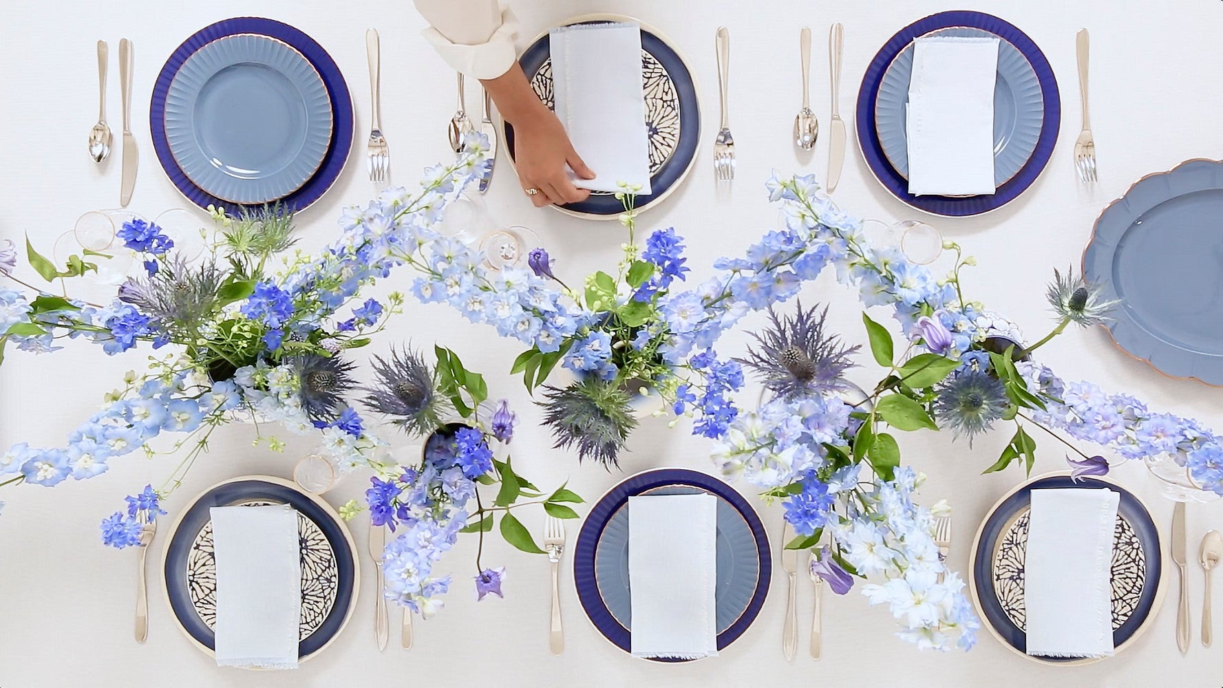 How to Style a Monochrome Bridal Brunch