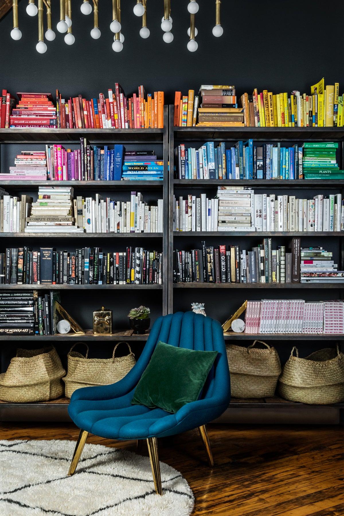 01_bookshelf_photo_by_CodyGuilfoyle