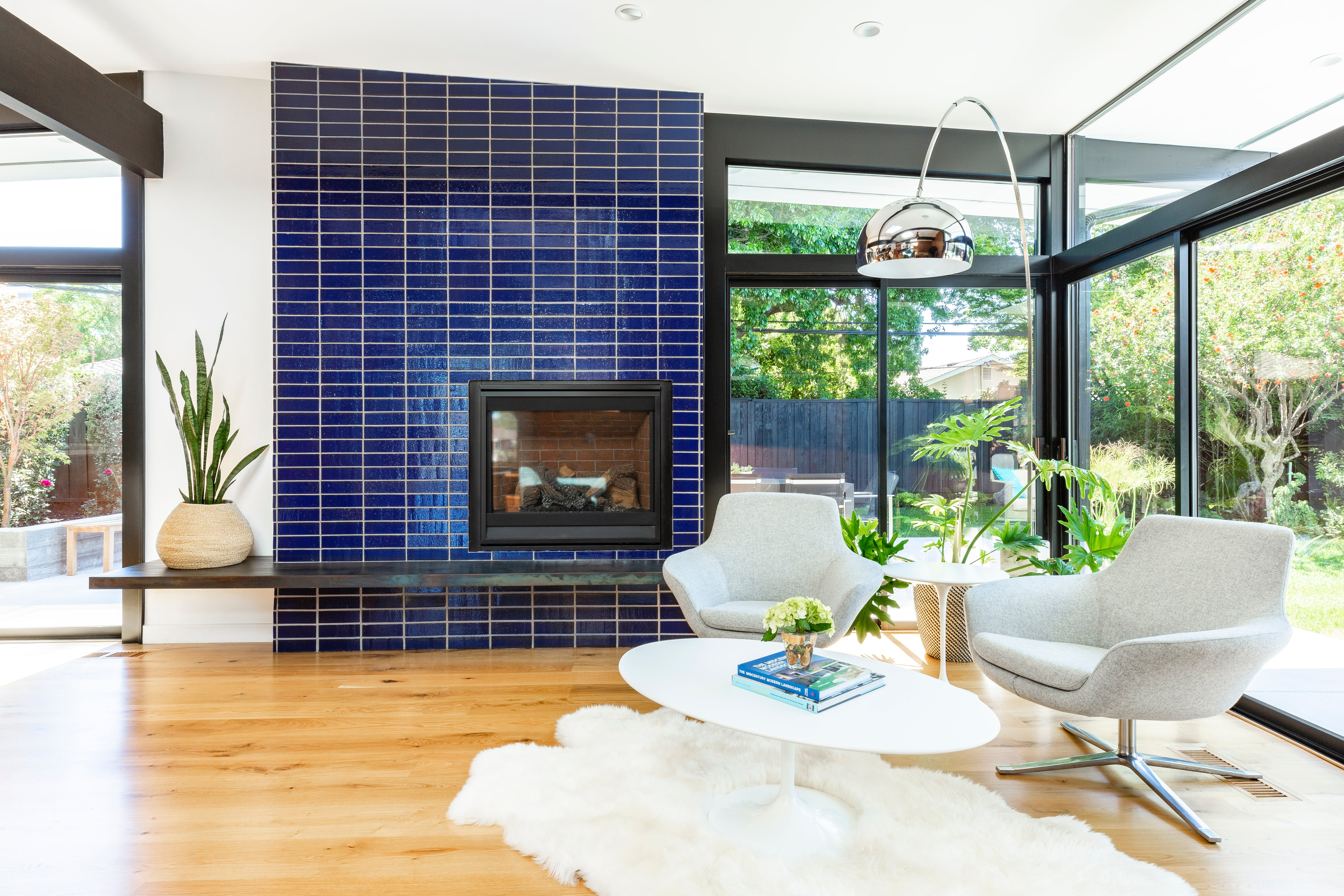 Mid Century Modern California Home Tour – Wood Paneling And Tiling