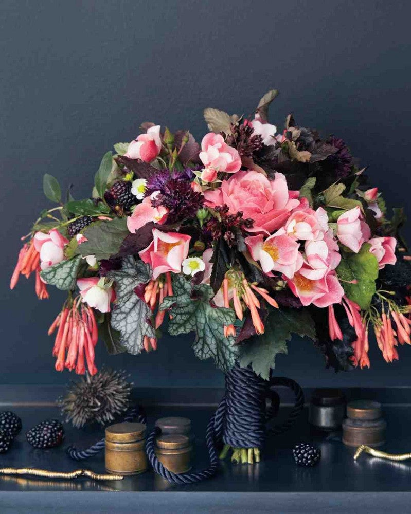 shelf-with-bouquet-097-exp-4-d111438_vert.jpg
