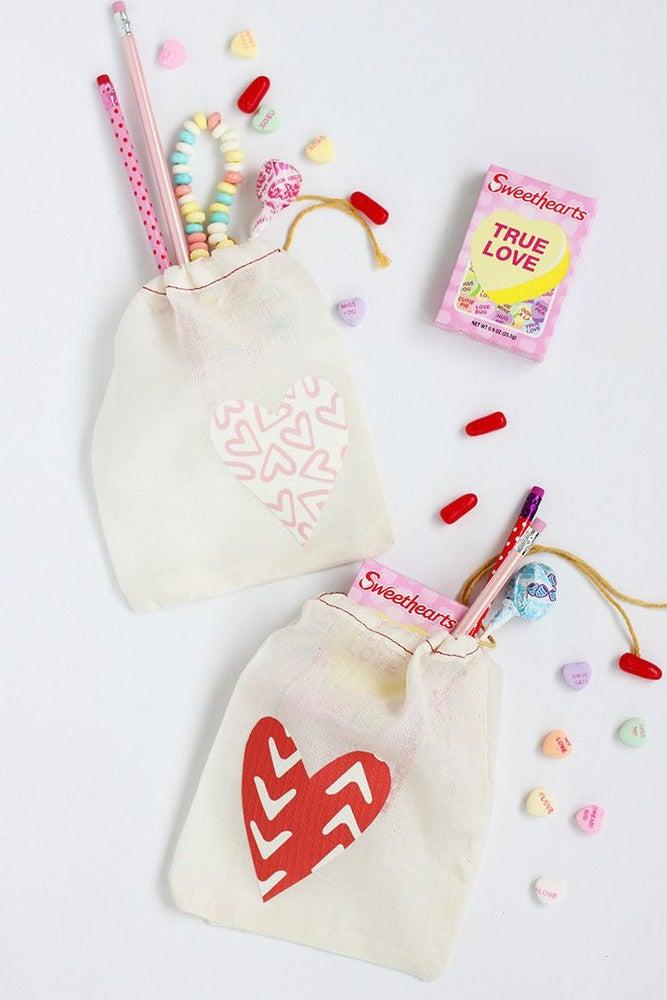 diy-valentine-treat-bags-3.jpg